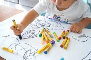 幼児のお絵描き